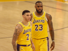 Lonzo Ball (li.) und LeBron James