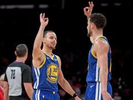 Stephen Curry (li.) und Klay Thompson