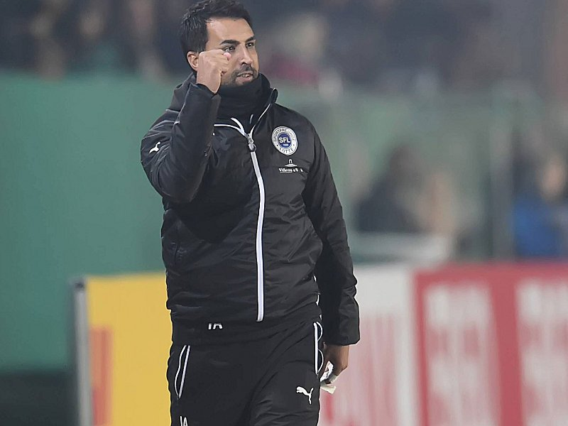 Lotte-Trainer Ismail Atalan