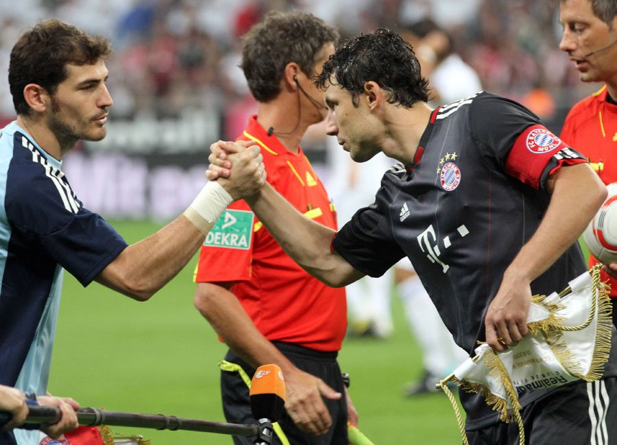 Iker Casillas und Mark van Bommel