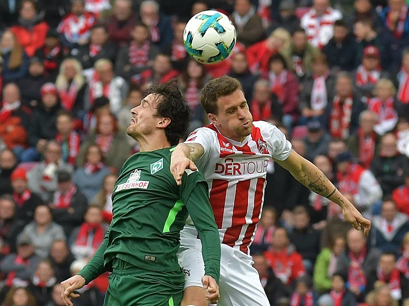 Thomas Delaney gegen Simon Zoller